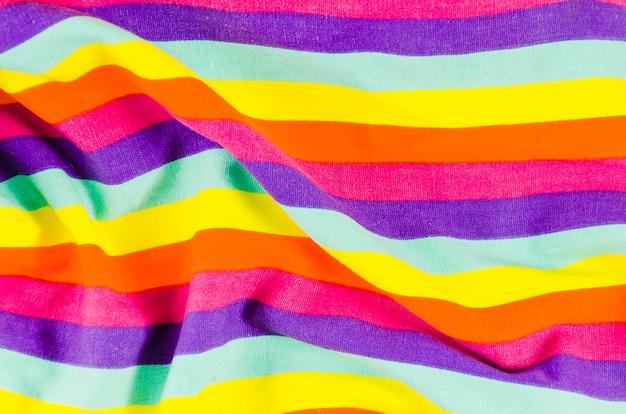 Bandeira do dia do orgulho com as cores do arco-íris Foto gratuita