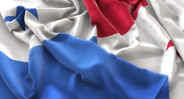 Bandeira do panamá ruffled beautifully waving macro close-up shot Foto gratuita