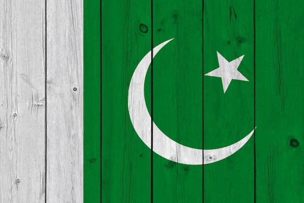 Bandeira do paquistão pintada na prancha de madeira velha Foto Premium