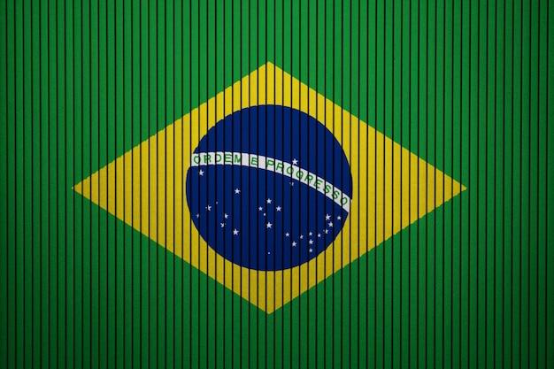 Bandeira nacional pintada do brasil em uma parede de concreto Foto Premium