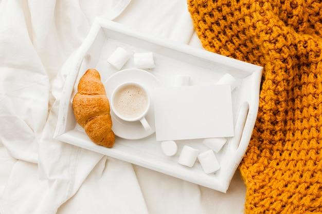 Bandeja com café da manhã Foto gratuita