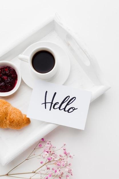 Bandeja de close-up com café da manhã Foto gratuita