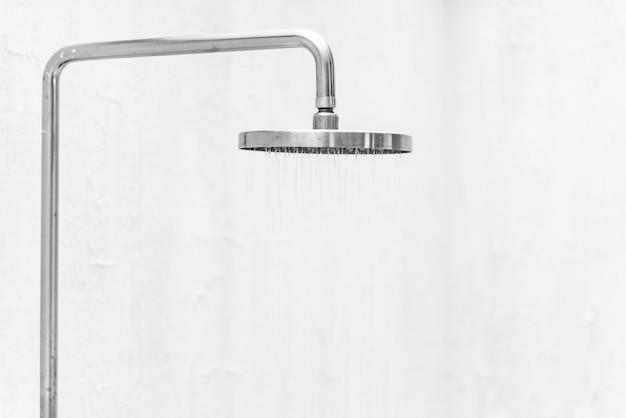 Banho de chuva Foto gratuita