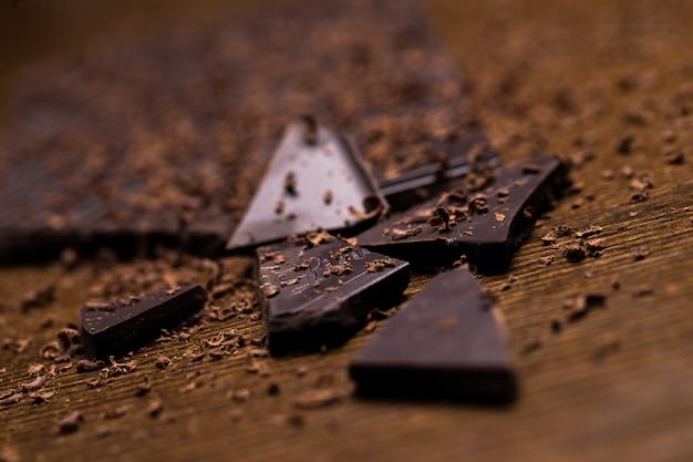 Barra de chocolate e pó Foto gratuita