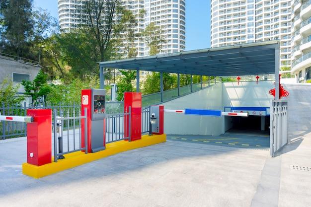 Barreira de estacionamento de hotéis Foto Premium