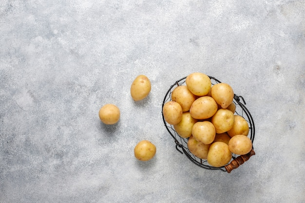 Batatinhas brancas orgânicas, vista superior Foto gratuita