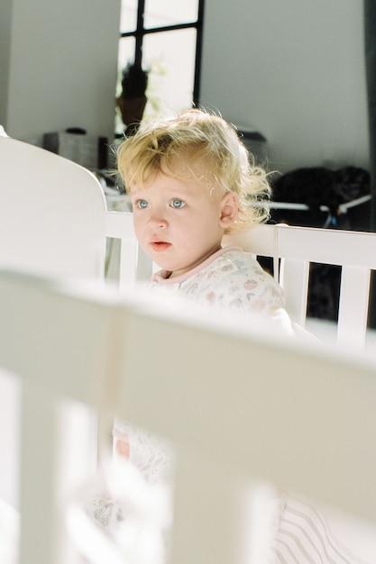 Bebê recém-despertado Foto Premium