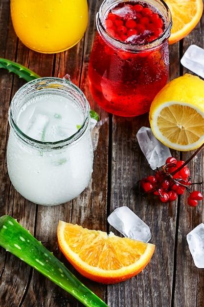 Bebida com aloe e laranja Foto Premium