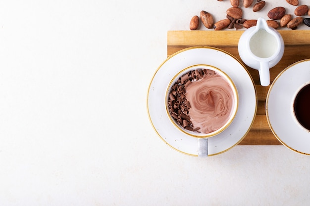 Bebida de chocolate quente caseiro Foto Premium