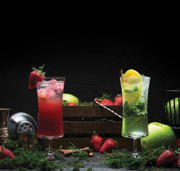 Bebidas de mojito de morango e limão Foto gratuita