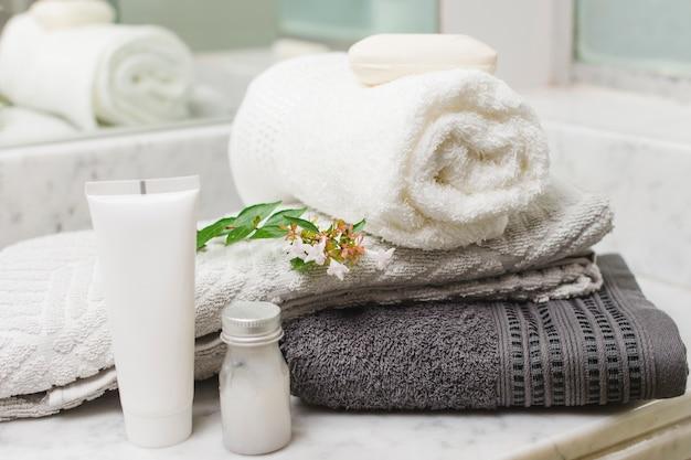 Bela composição para conceito de spa ou banho Foto gratuita