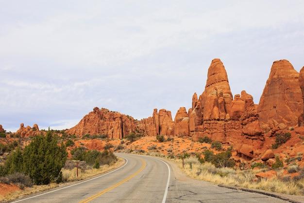 Bela imagem tirada no arches national park, em utah Foto Premium