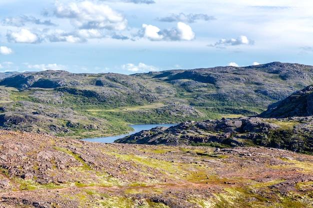 Bela paisagem montanhosa do norte. natureza dura lindo. Foto Premium