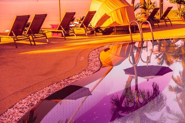 Bela vista ao ar livre com guarda-chuva Foto gratuita