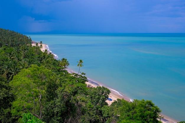 Bela vista linda grande à beira-mar na tailândia Foto Premium