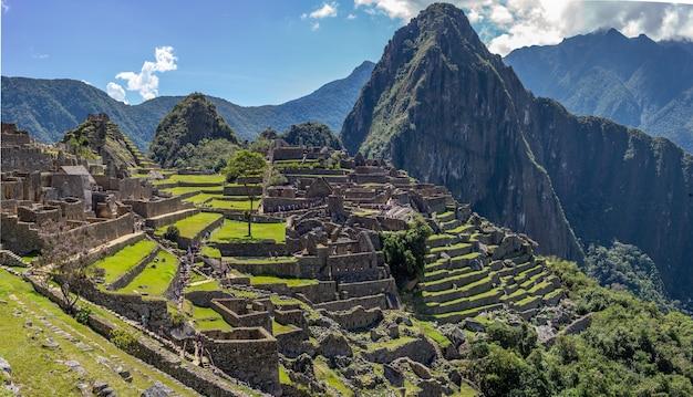 Belas vistas da cidadela inca de machu picchu Foto gratuita
