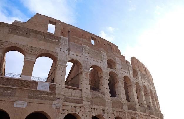 Belo coliseu, em roma, itália Foto Premium