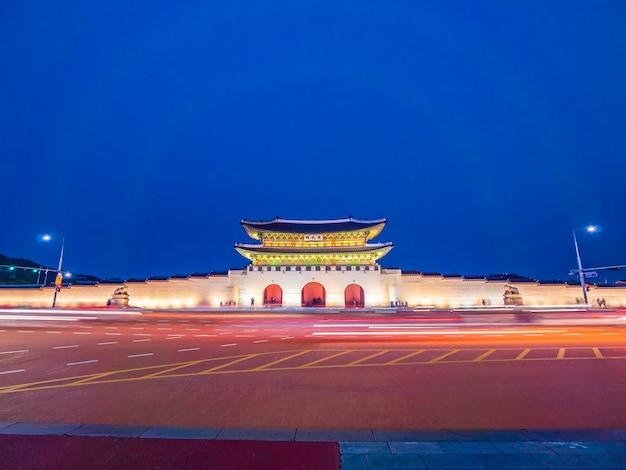 Belo edifício de arquitectura do palácio gyeongbokgung Foto gratuita