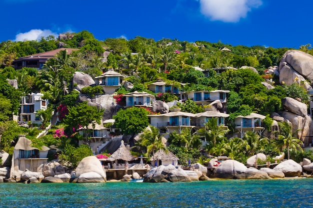 Belo resort tropical. ilha koh tao, reino da tailândia Foto Premium
