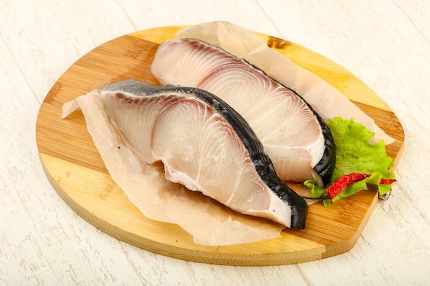 Bife de tubarão cru Foto Premium