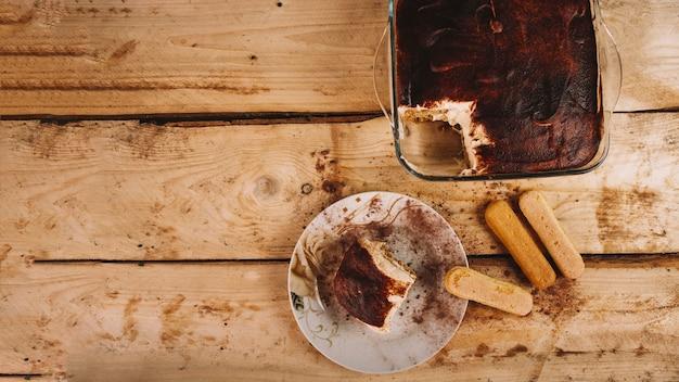 Biscoitos e tiramisu Foto gratuita