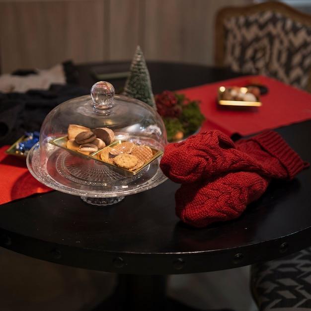 Biscoitos saborosos de close-up em cima da mesa Foto gratuita