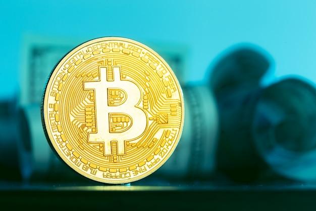 Bitcoin e dólar Foto Premium