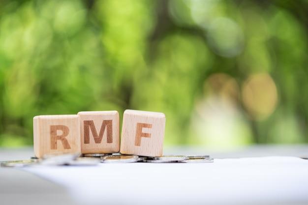 Bloco de palavras rmf no formulário de informações da folha de pagamento Foto Premium