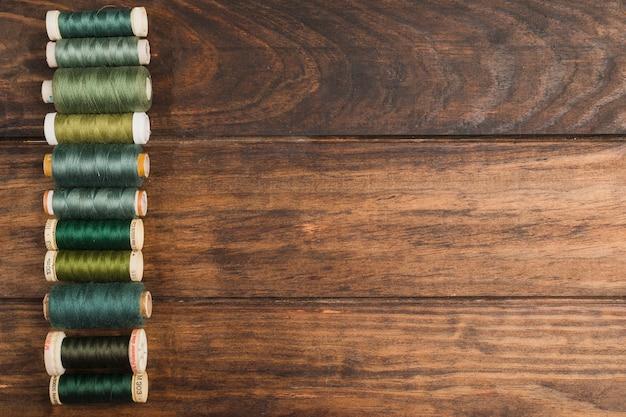 Bobinas de fio de costura Foto gratuita