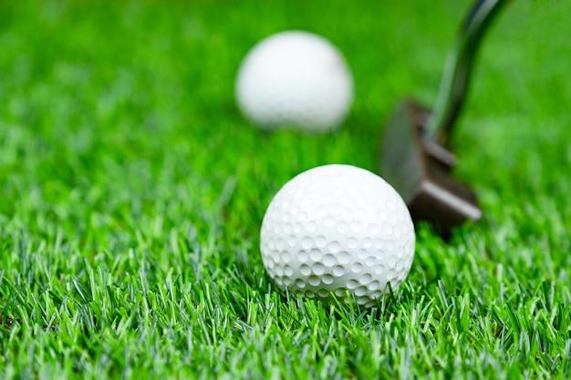 Bola golfe, ligado, capim Foto Premium