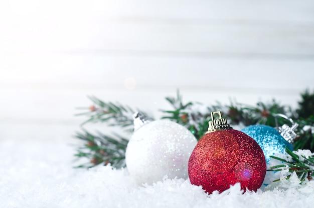 Bolas coloridas de natal Foto Premium