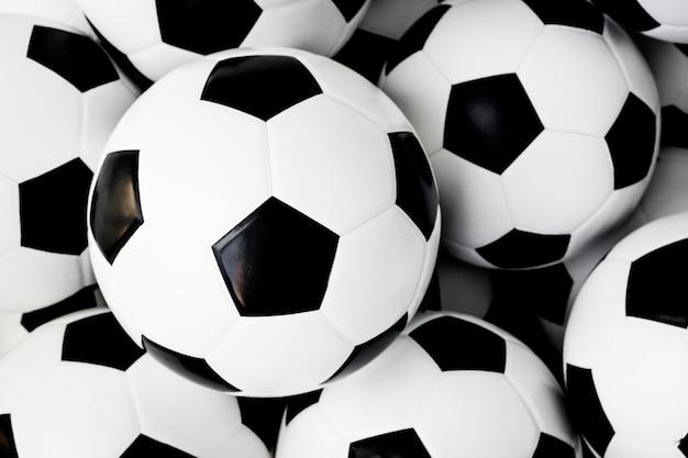 Bolas de futebol Foto gratuita