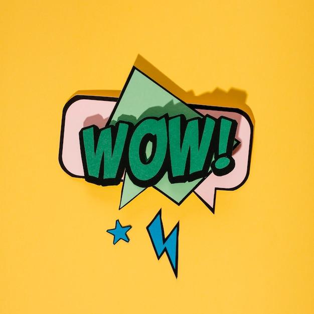 Bolha de discurso de estilo vintage pop art em fundo amarelo Foto gratuita