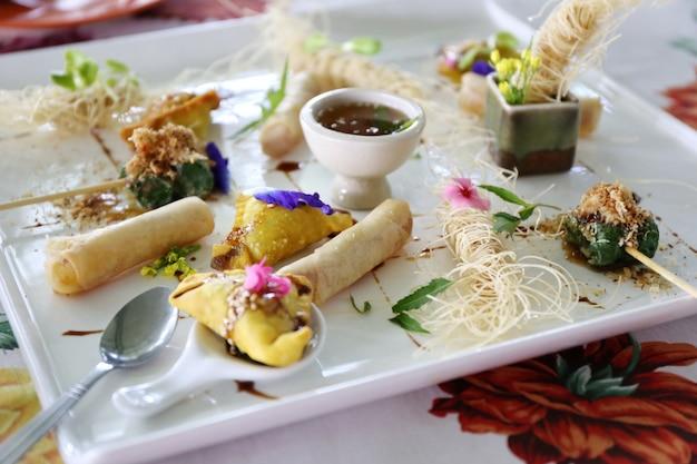 Bolinho chinês fritado Foto Premium