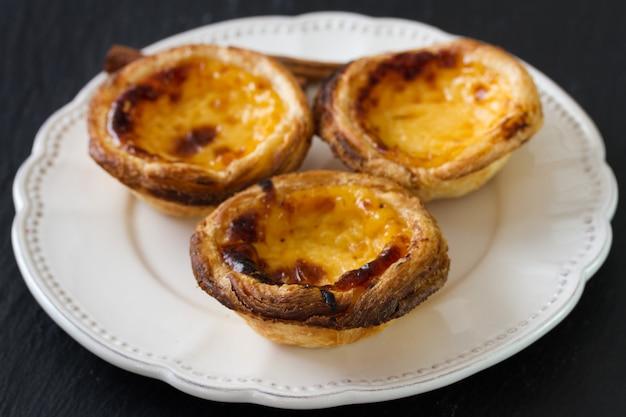 Bolinhos típicos portugueses na chapa Foto Premium