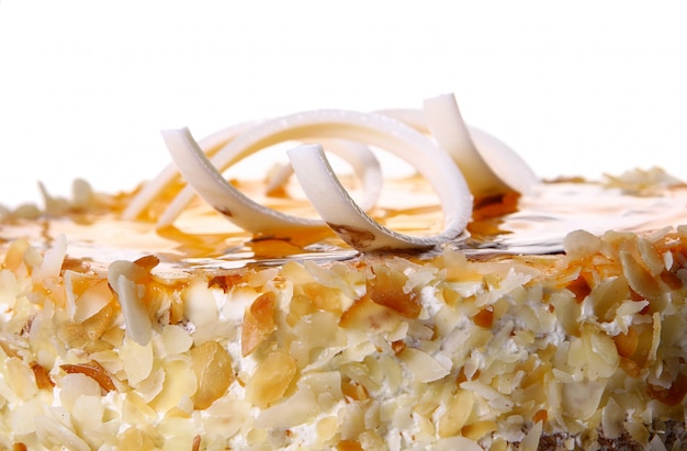 Bolo de frutas de sobremesa com chocolate branco Foto gratuita