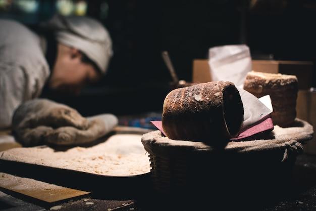 Bolo de trdelnik no mercado de natal de praga Foto gratuita