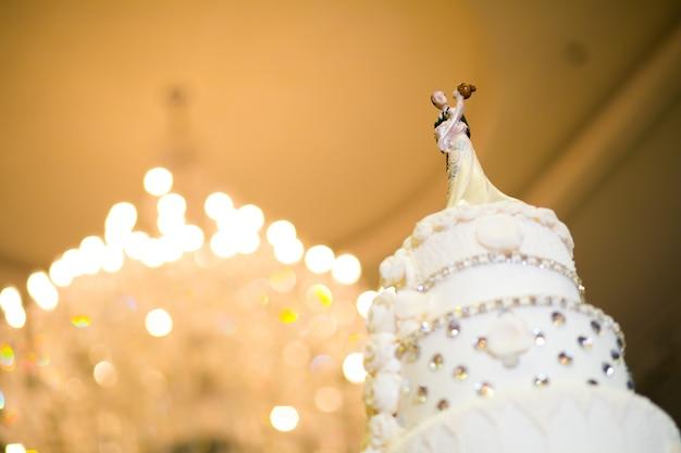 Bolo em cerimônia de casamento Foto Premium