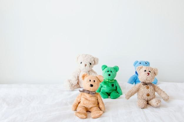 Bonecas fofas e a gangue Foto Premium