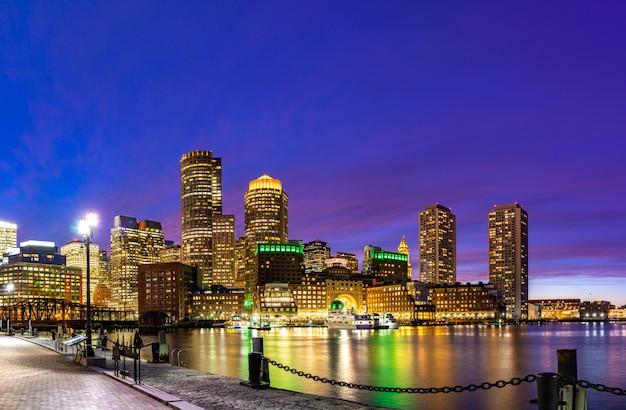 Boston, centro cidade, skylines, baía Foto Premium