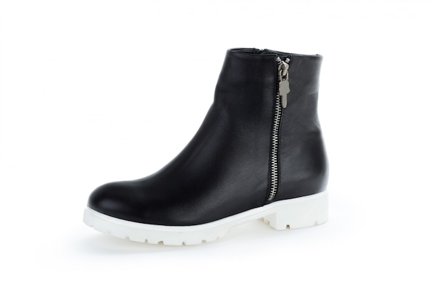 Botas de tornozelo mulher isoladas no branco Foto Premium
