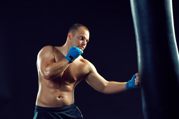 Boxer jovem boxe Foto gratuita