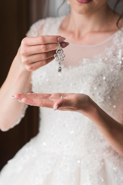 Brinco de noiva Foto gratuita