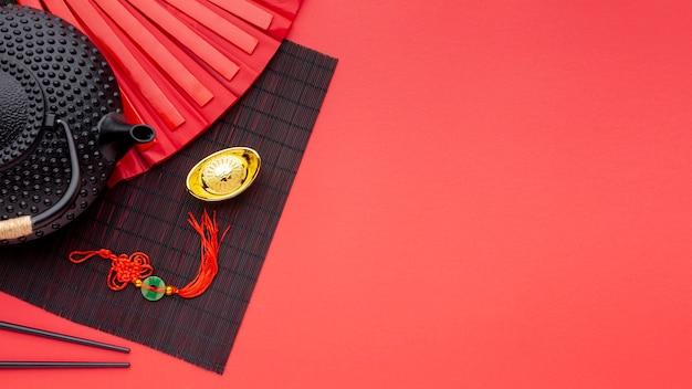 Bule e pingente de ano novo chinês Foto gratuita