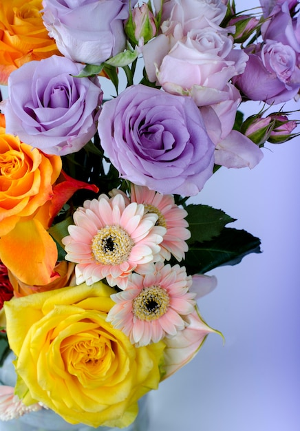 Buquê de flores diversas Foto Premium