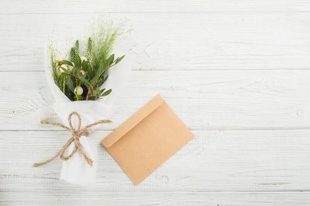 Buquê de flores silvestres Foto Premium