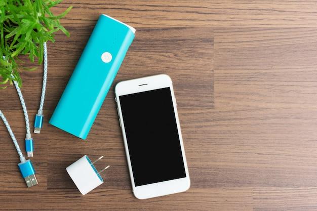 Cabos de carregamento usb para smartphone e tablet Foto Premium