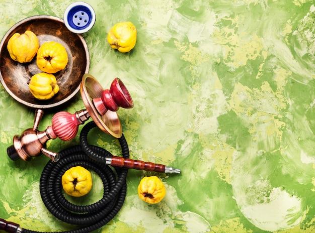 Cachimbo de água turco com marmelo de aroma Foto Premium