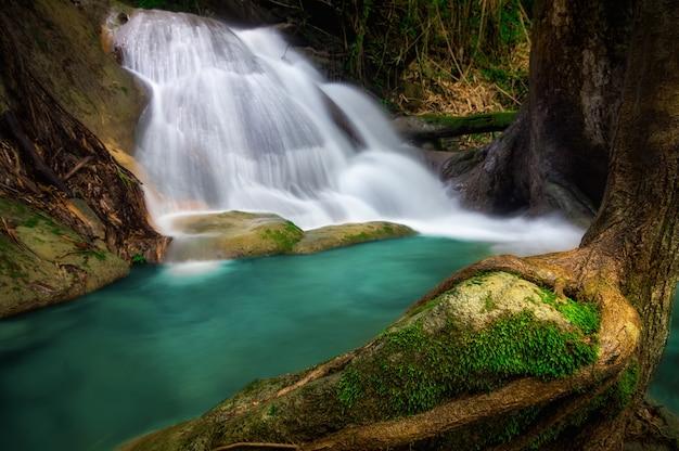 Cachoeira de pha tad. Foto Premium