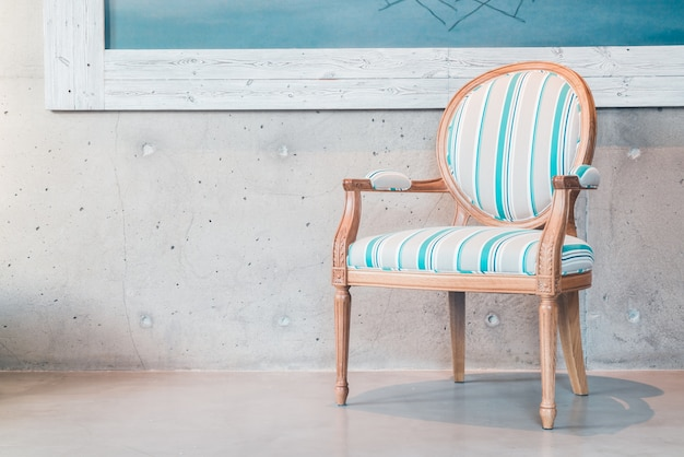 Cadeira azul e branco Foto gratuita